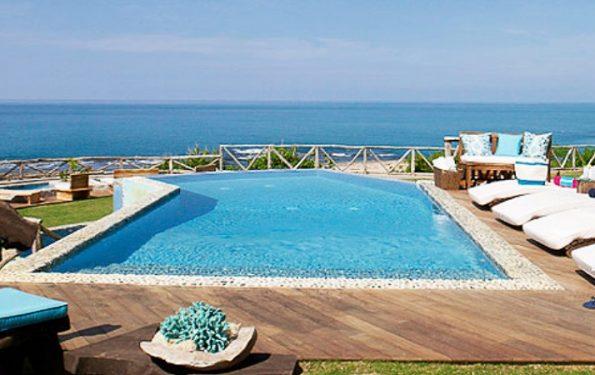 Seaweed villa pool